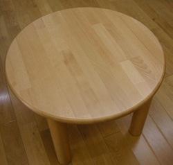 丸テーブル.jpg